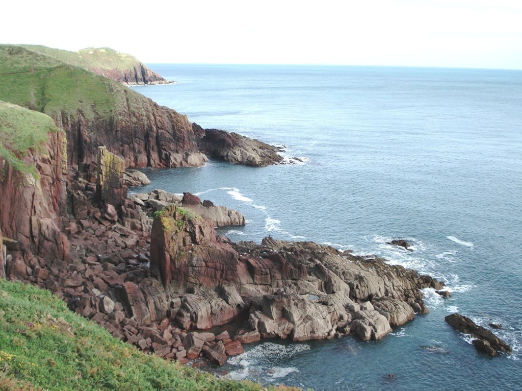 The coast, looking  east - cliff path